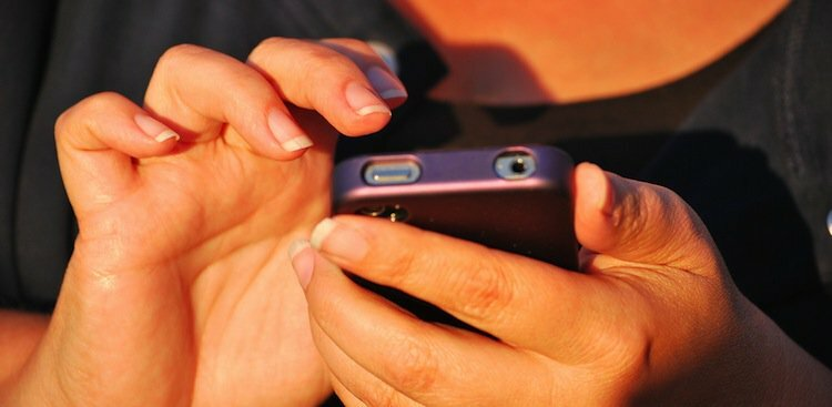 A Case of iPhoneitis (and 3 Other Smartphone-Related Injuries)