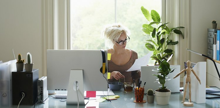5 Habits That'll Free Up Room in Your Schedule to Work on Your Side Gig