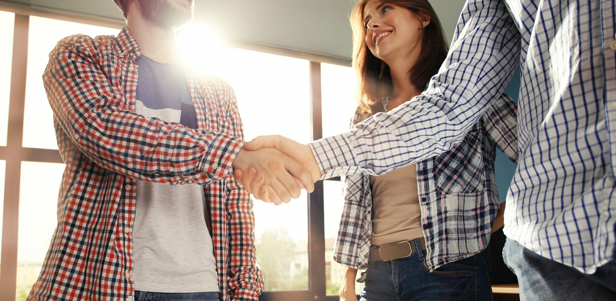 7 Realistic Ways to Turn Professional Connections Into Real Relationships