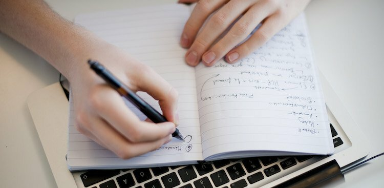 Why the Most Successful People Keep an Idea Journal (and Why You Should, Too)