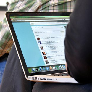 5 Tips for Managing Your Company's Twitter Account