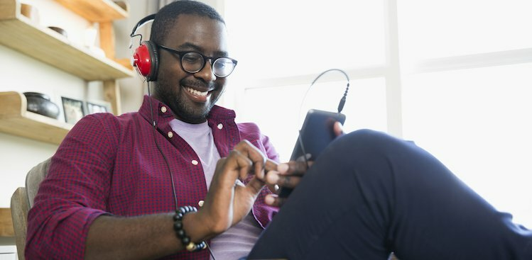 8 Podcasts That'll Help You Make Smarter Small Talk