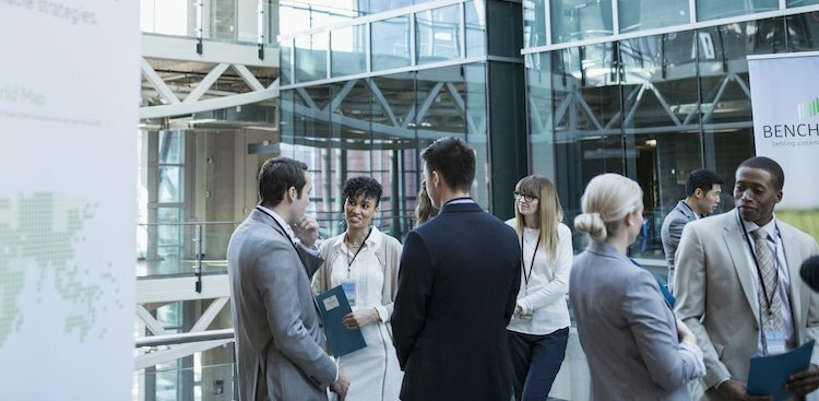 8 Ways to Stand Out at a Career Fair