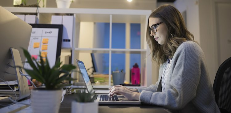 7 Ways to Green Your Desk Routine