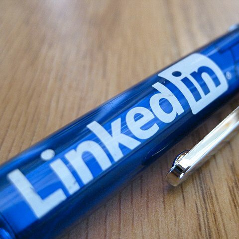 4 Ways LinkedIn Can Help You Get Into B-School