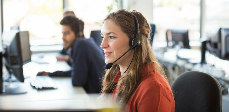 5 Pretty Decent Benefits of Starting Your Career in Customer Service