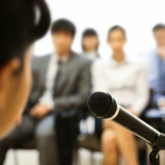 4 Qualities of Amazing Public Speakers