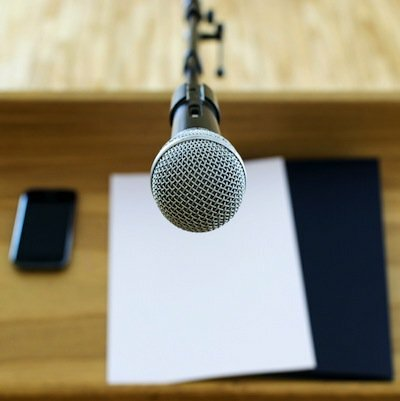 How I (Finally) Got Over My Fear of Public Speaking